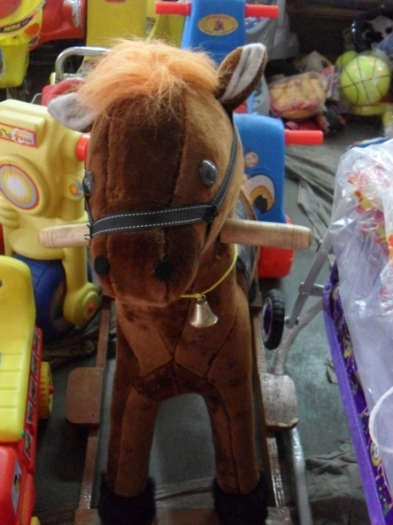 KIDS ITEMS PLAY HORSE
