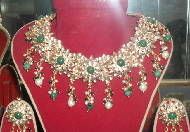 FASHION JEWELRY FOR RENT